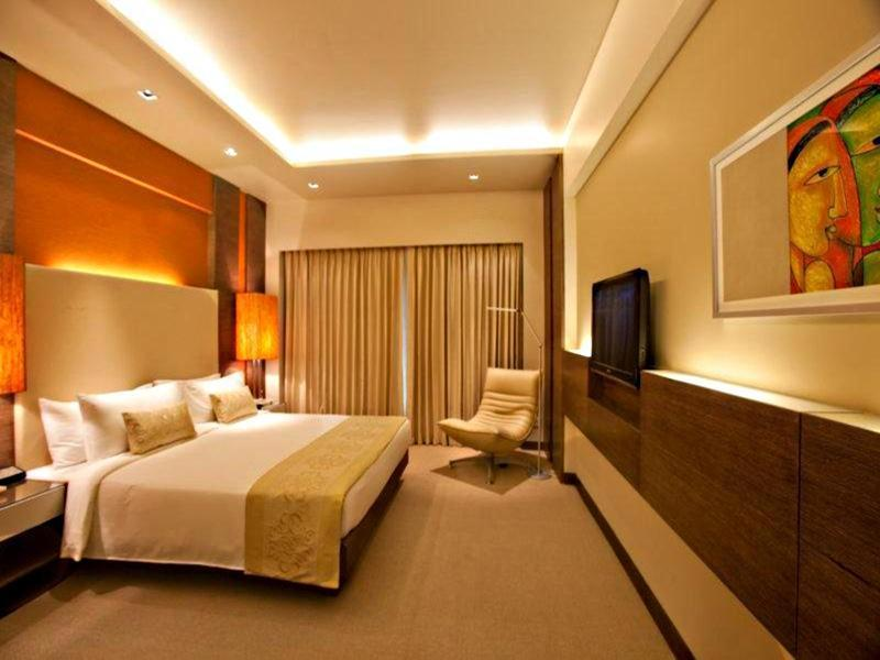 Executive Suite with Breakfast + Airport Transfer