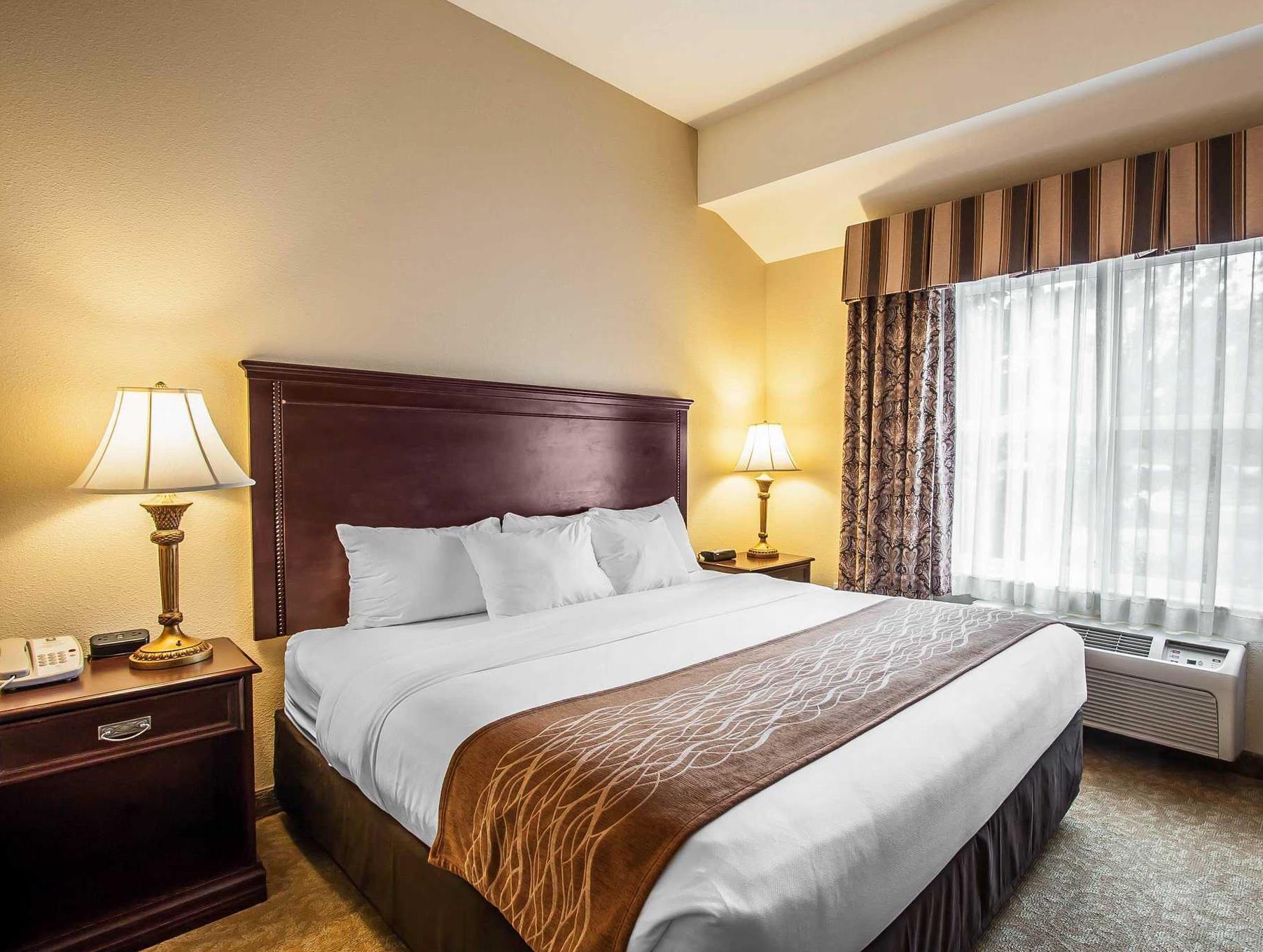 mcminnville inn hotels s from comforter ksp leonardo comfort kayak suites dsc image
