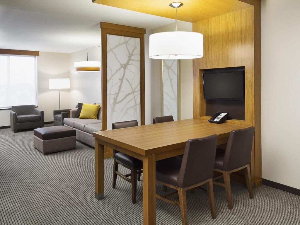 Interior view Hyatt Place Chicago Midway Airport