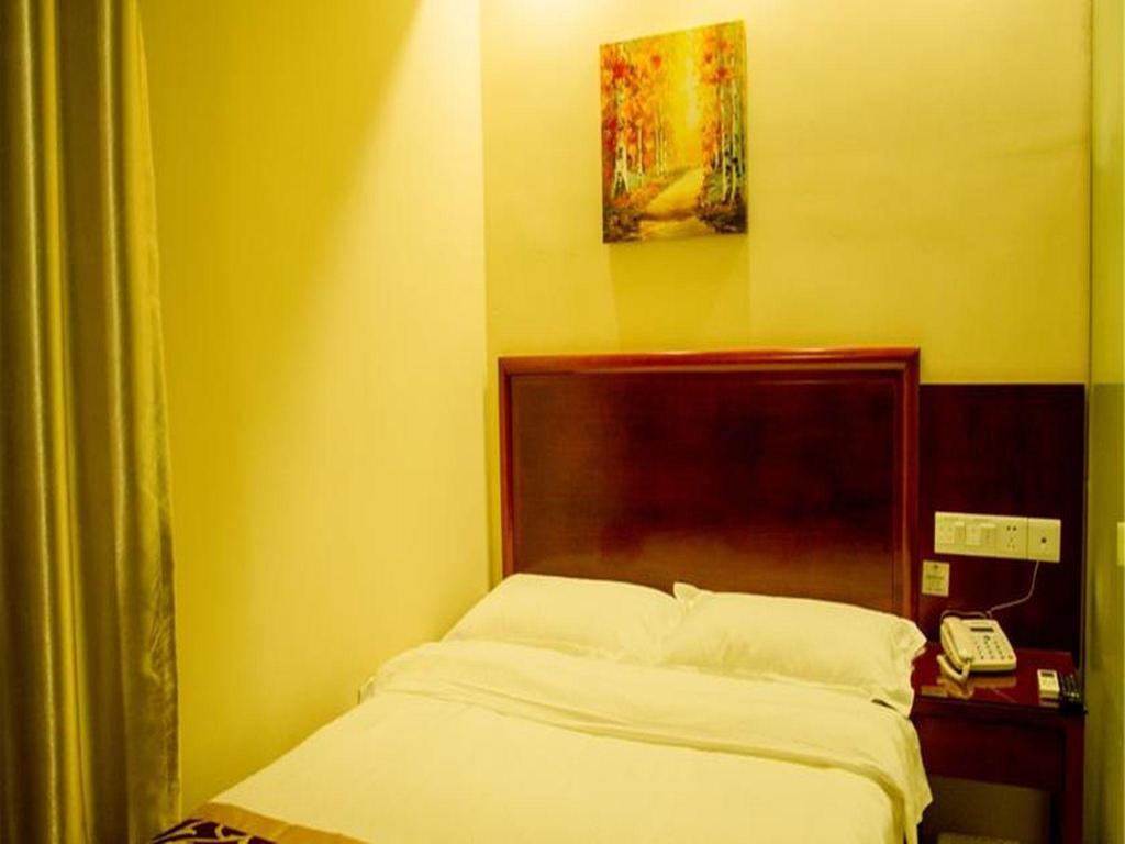 Queen - Bed GreenTree Inn Hefei Lianhua Road Express Hotel