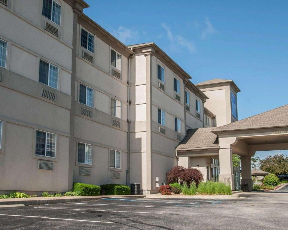 Sleep Inn and Suites Lake of the Ozarks Camdenton