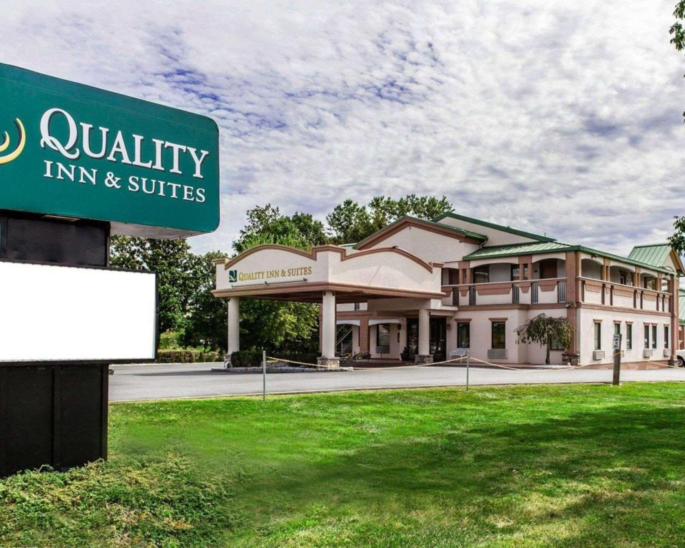 More about Quality Inn & Suites Quakertown-Allentown