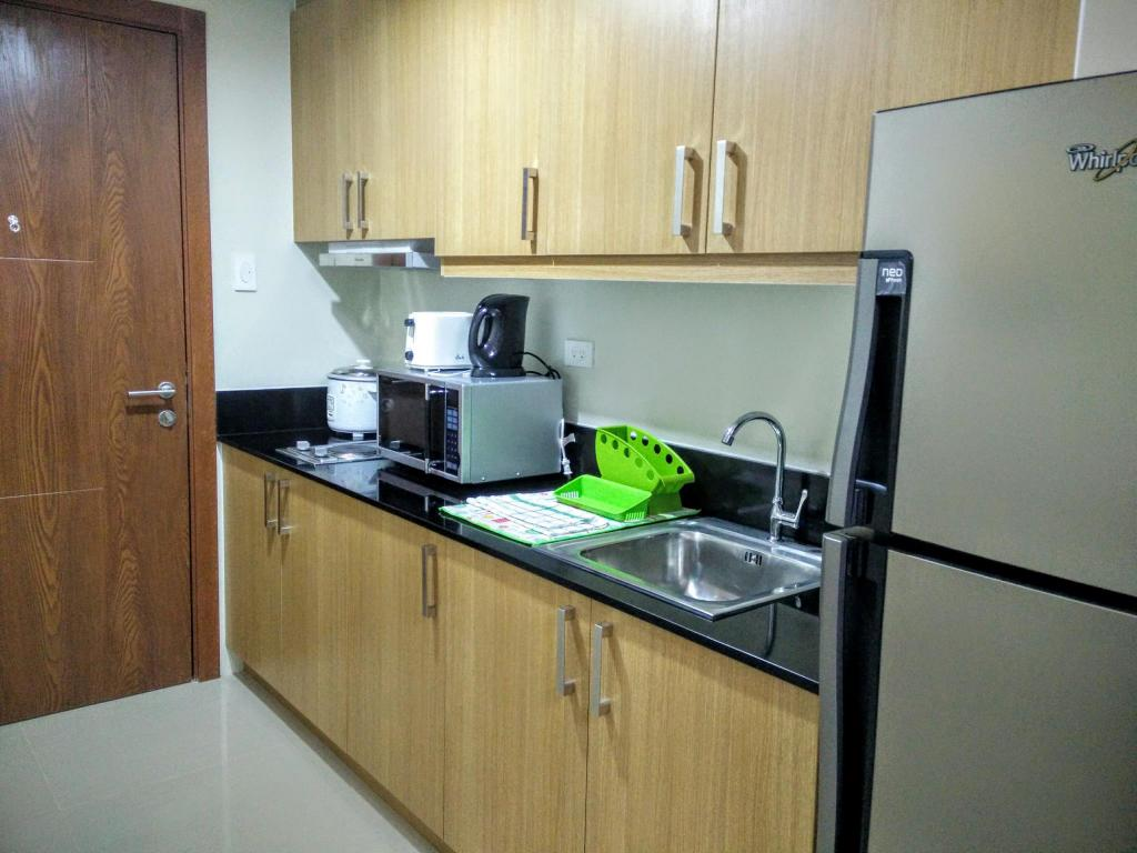 kitchen GG Condotel at Shell Residences