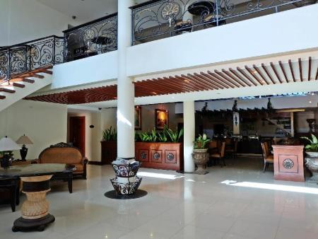 Lobby Alona Kew White Beach Resort