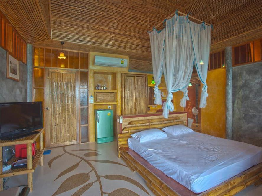 Bamboo Sunset Suite
