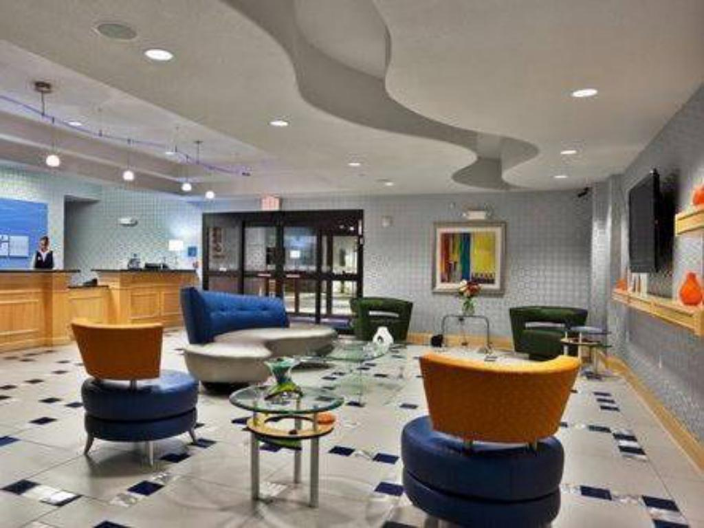 Lobby Holiday Inn Express Hotel & Suites Hutto