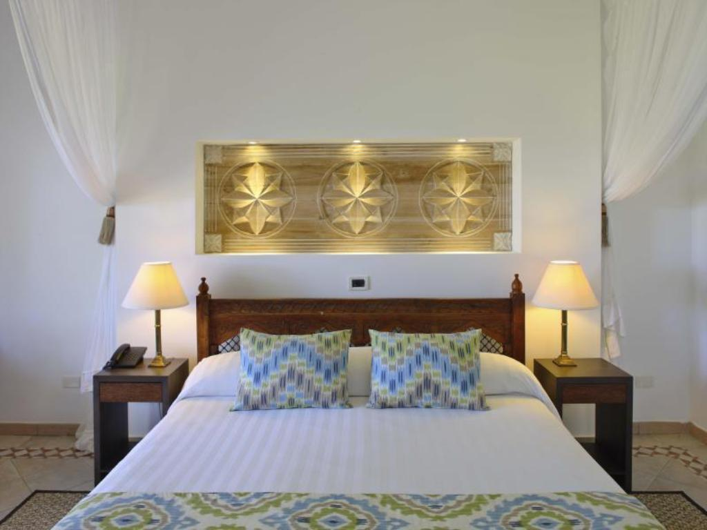 Quarto superior - Cama Bluebay Beach Resort and Spa