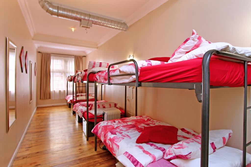 Dormitory for 6 persons (Female) Forty 8 Backpackers