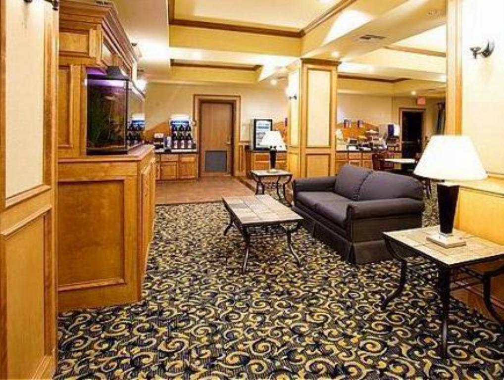 Vista Interior Holiday Inn Express Hotel & Suites Jourdanton Pleasanton