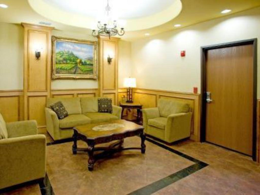 Lobby Holiday Inn Express Hotel & Suites Jourdanton Pleasanton
