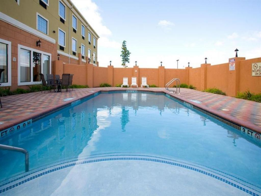 Holiday Inn Express Hotel & Suites Jourdanton Pleasanton