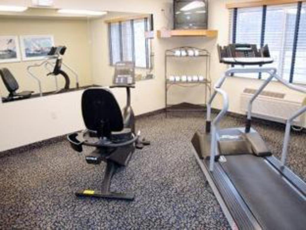 Fitness center AmericInn Griswold