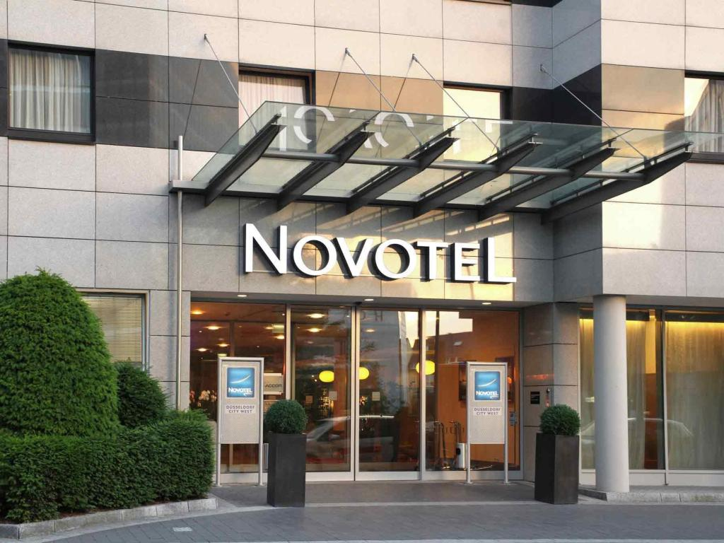 More about Novotel Duesseldorf City West Seestern