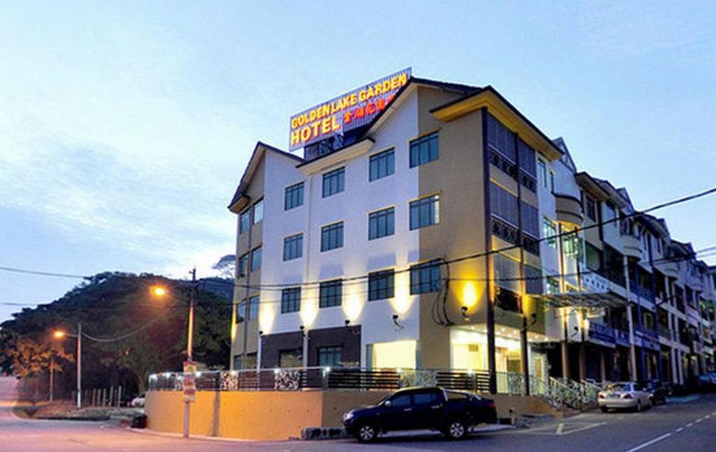 Golden Lake Garden Hotel In Segamat Room Deals Photos Reviews