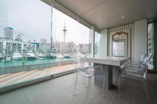 3 Bedroom Double Waterfront Luxury Apartment