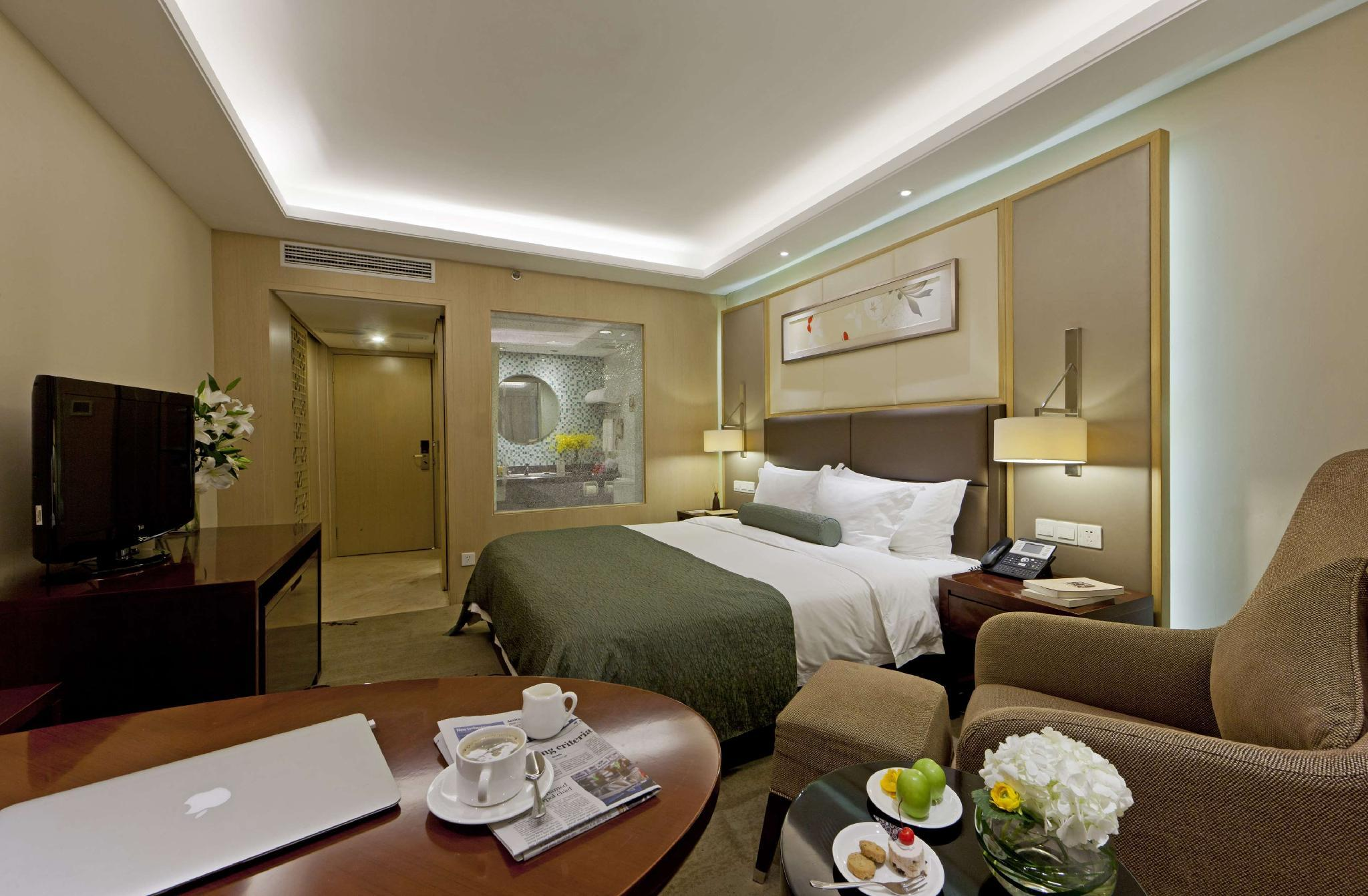 Executive Room with King Bed and Free Breakfast