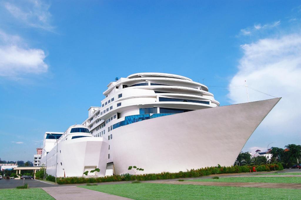 Pacific Palace Hotel di Pulau Batam - Ulasan Tepercaya & Harga Terbaru 2021  di Agoda
