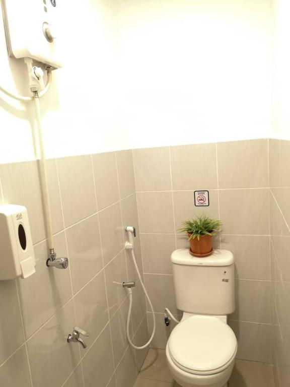 1 Person in Economy Dormitory - Mixed - Bathroom Sunset Homestay