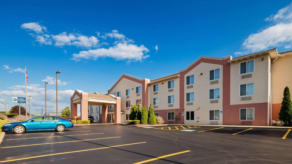 Best Western Penn-Ohio Inn & Suites (Best Western Penn-Ohio Inn and Suites)