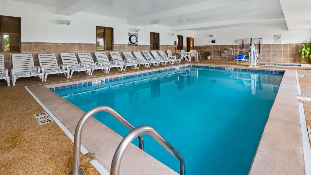 Piscina Best Western Penn-Ohio Inn & Suites (Best Western Penn-Ohio Inn and Suites)