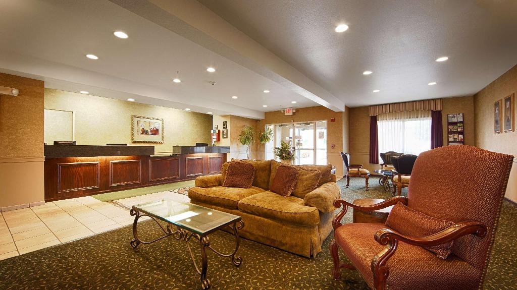 Vestíbulo Best Western Penn-Ohio Inn & Suites (Best Western Penn-Ohio Inn and Suites)
