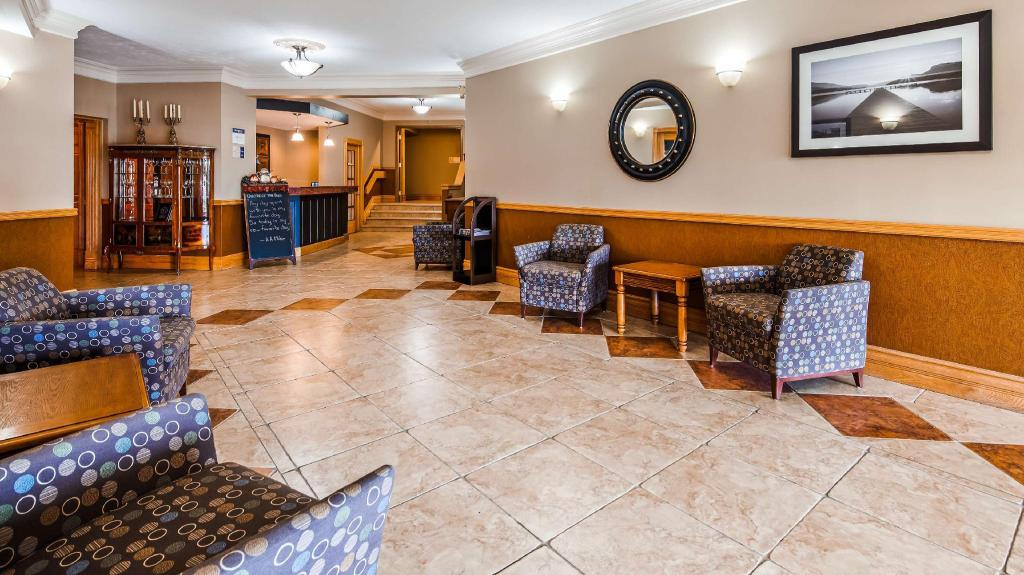Lobby SureStay Plus Hotel by Best Western Kincardine