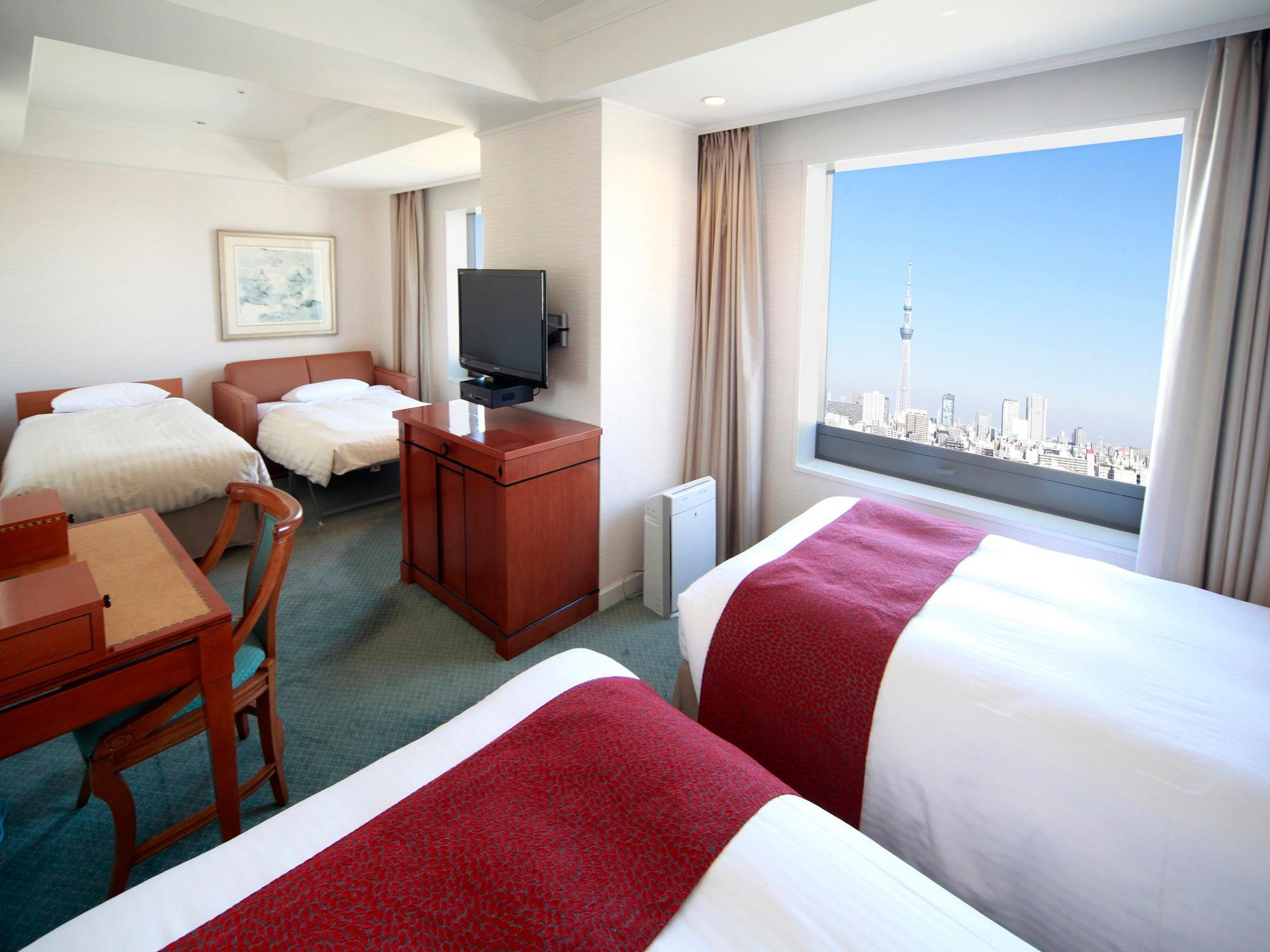 Family Deluxe Tokyo Skytree View Twin Room with 1 Extra Bed and 1 Sofa Bed - Non-Smoking