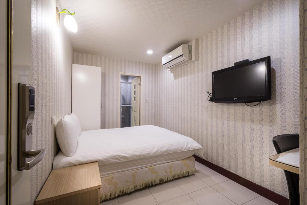 Interior view Standard Double Room (No Windows) - 101 Stay
