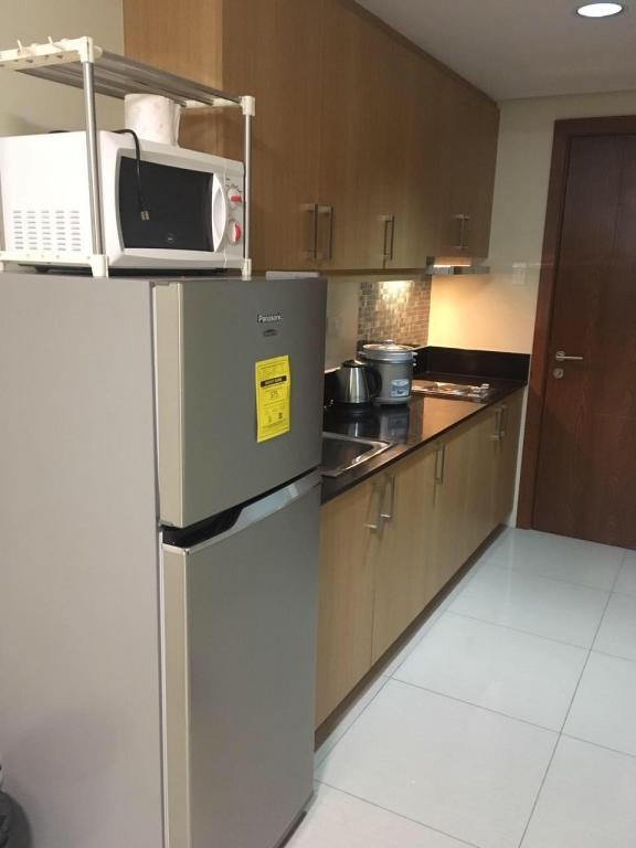 Kitchen R TWO@Shell Residences Lobby A & B