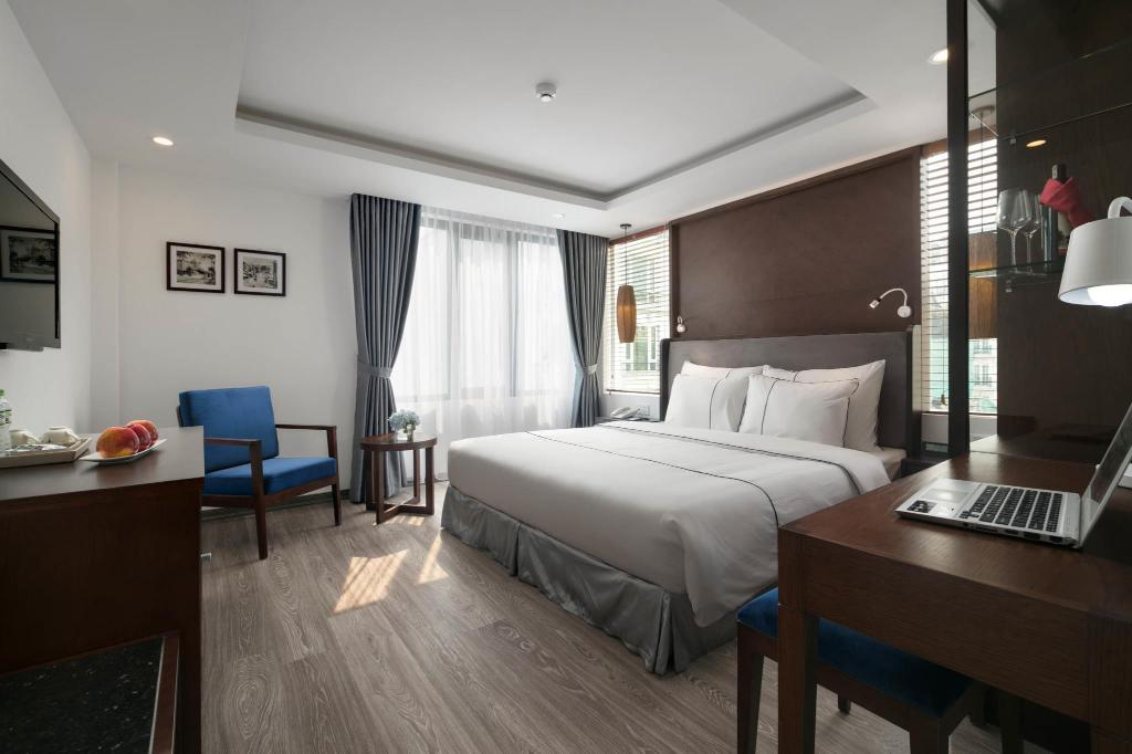 Premier City View Room - Guestroom Hanoi Bonsella Hotel