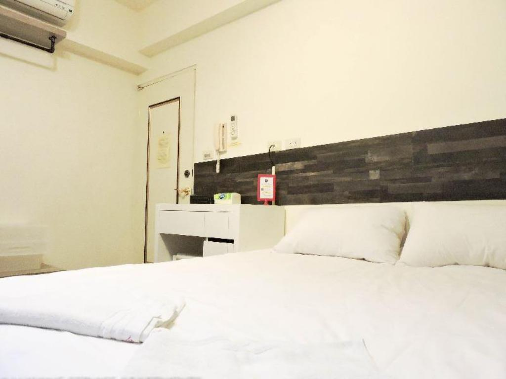 04 Elegant Double room - Taipower Building MRT exit. 3
