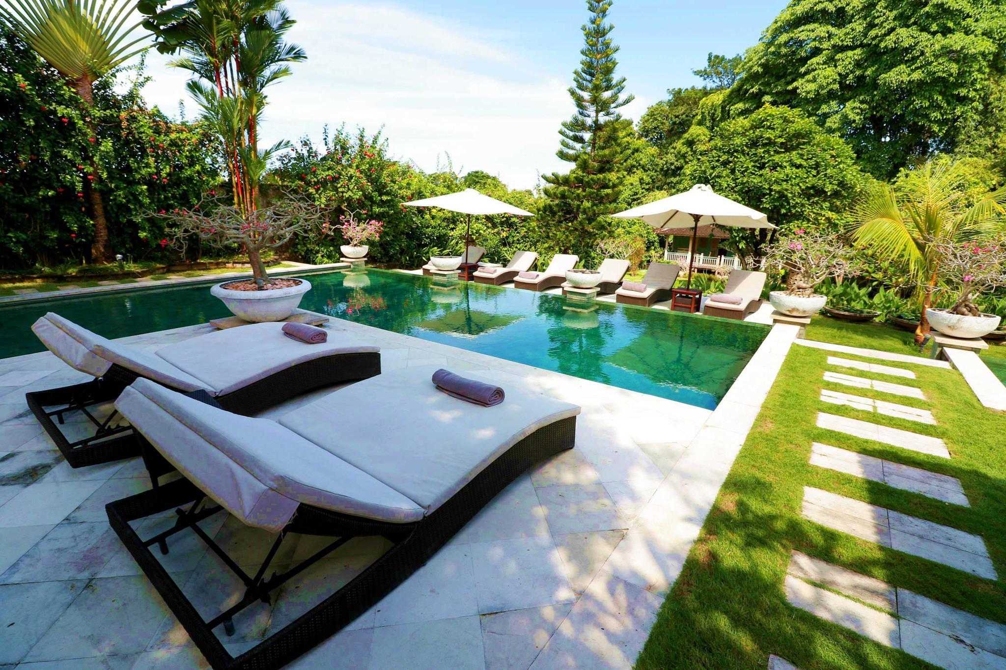 Palatial 5 Bed Luxe Pool Jacuzzi Villa Seminyak Entire Villa Bali Deals Photos Reviews