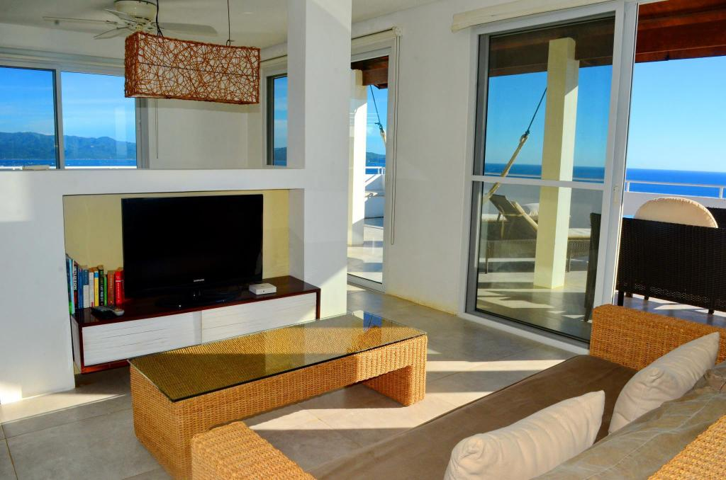 Studio Penthouse Ocean View - Guestroom Shambala Terraces - Boracay Apartments
