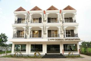 Hotel Debrani International
