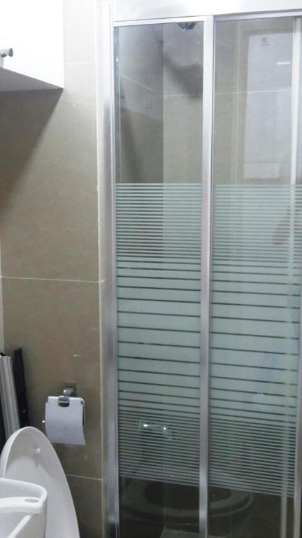 Bathroom Avida Towers San Lorenzo Unit- Twenty3zero5