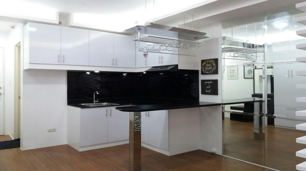 Kitchen Avida Towers San Lorenzo Unit- Twenty3zero5