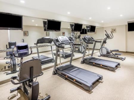 Fitness center Ramada by Wyndham Flushing Queens