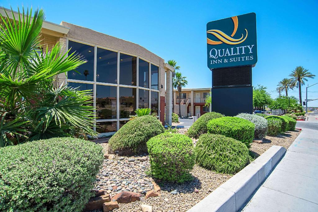 Quality Inn and Suites Phoenix NW - Sun City