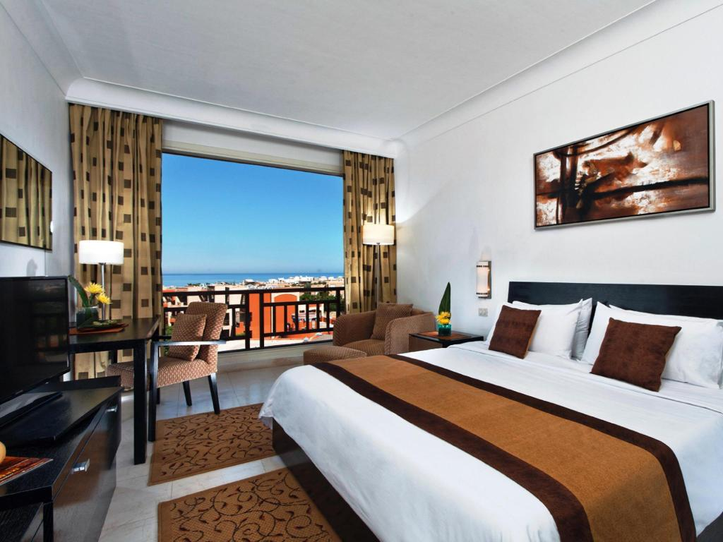 Superior King Vista Mare - Letto Movenpick Resort El Sokhna