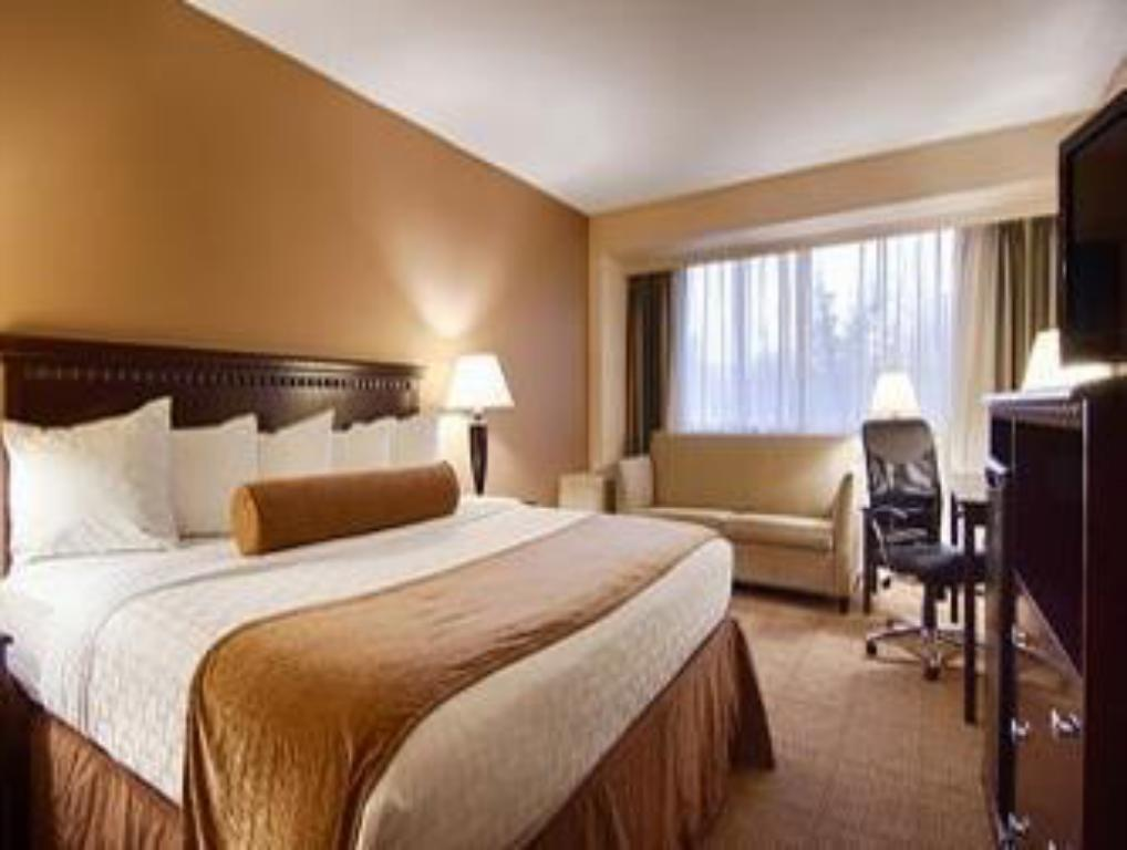 King Room - Non-Smoking - Guestroom Ramada by Wyndham East Syracuse Carrier Circle