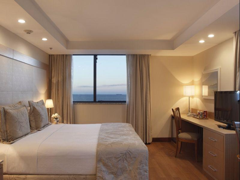Juniorsuite med king bed, havutsikt (1 King Bed Junior Suite Ocean View)