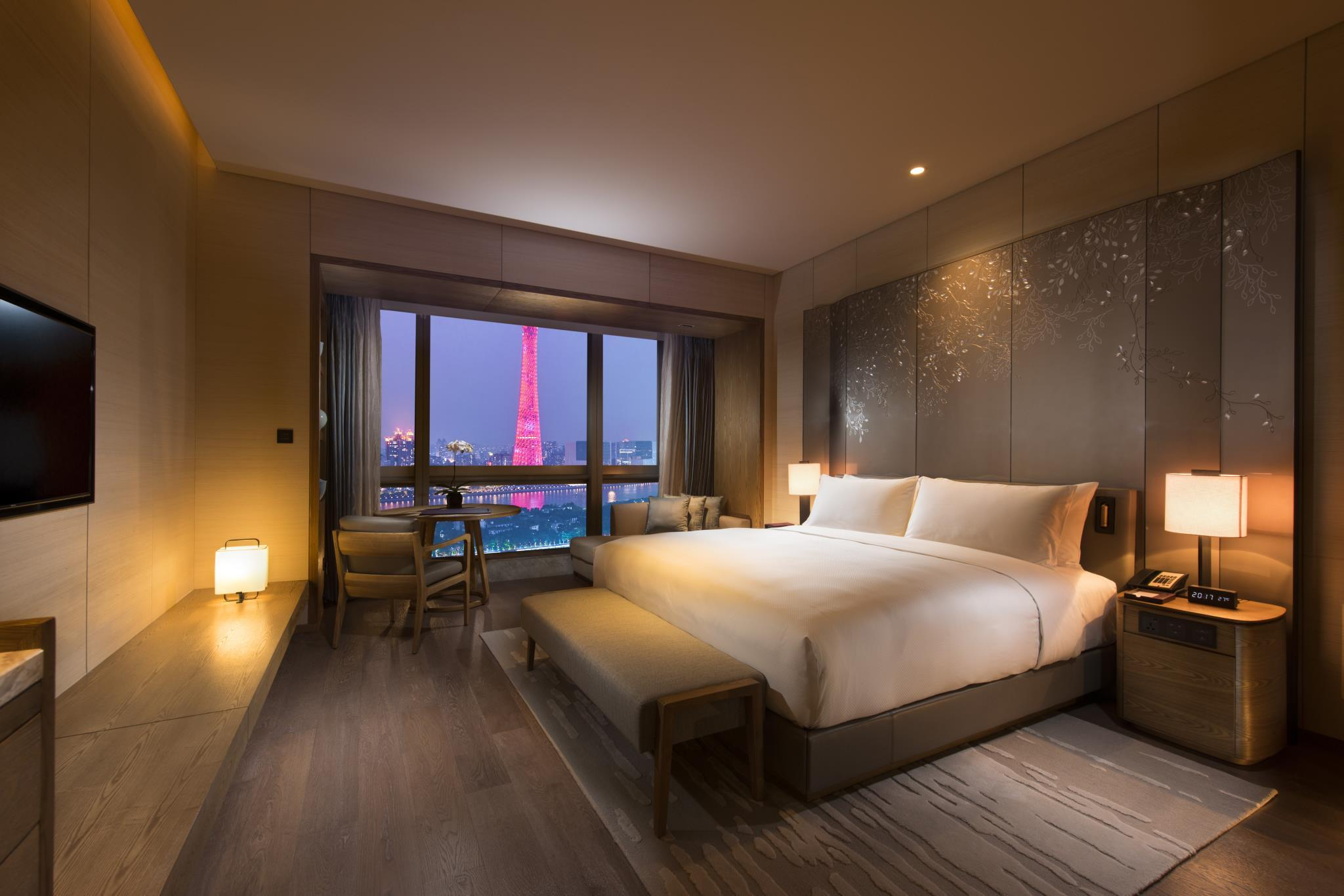 King Executive Room River View