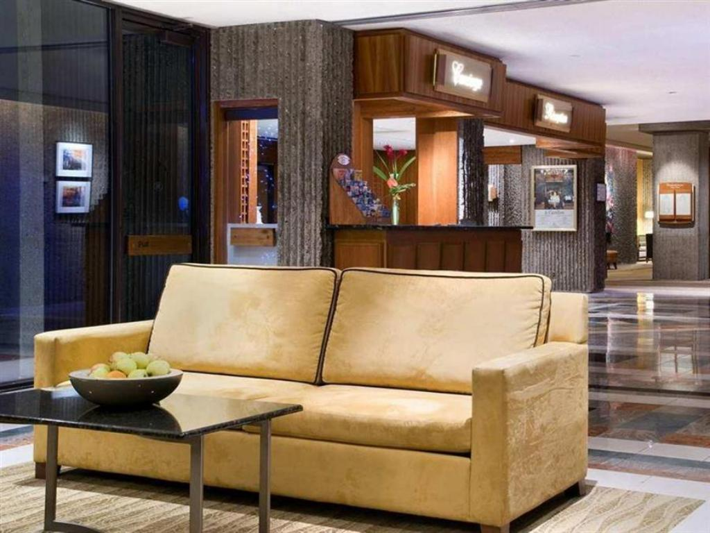 Hilton Hotel Bonaventure Montreal Reviews