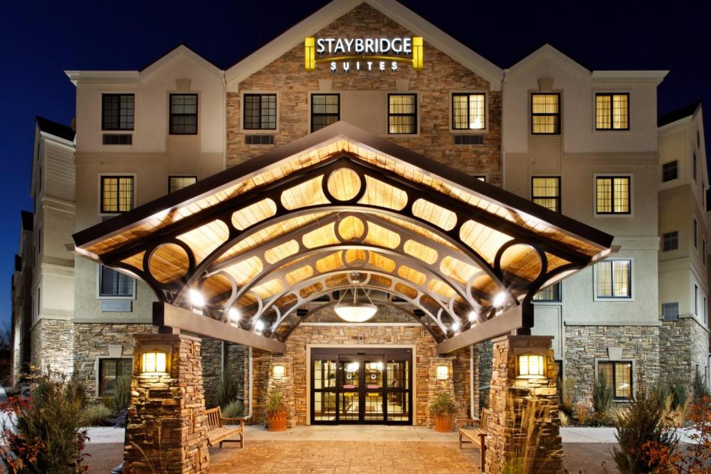 Vista Exterior Staybridge Suites Pittsburgh-Cranberry Township