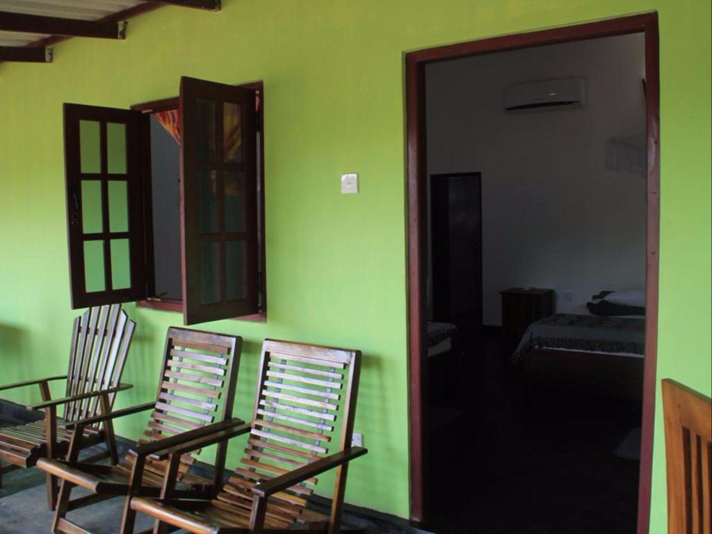 backpackers hostel sigiriya