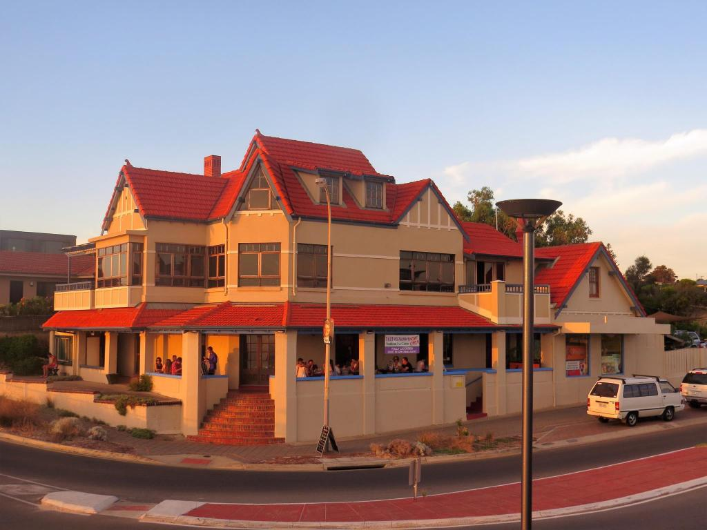 McCloud House of Port Noarlunga