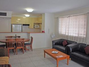Pitt St - 2 Bedroom with Balcony