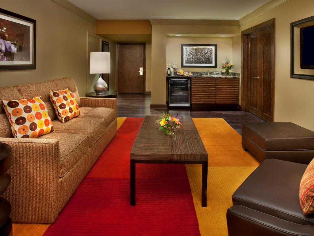 Hilton Palacio Del Rio Hotel In San Antonio Tx Room