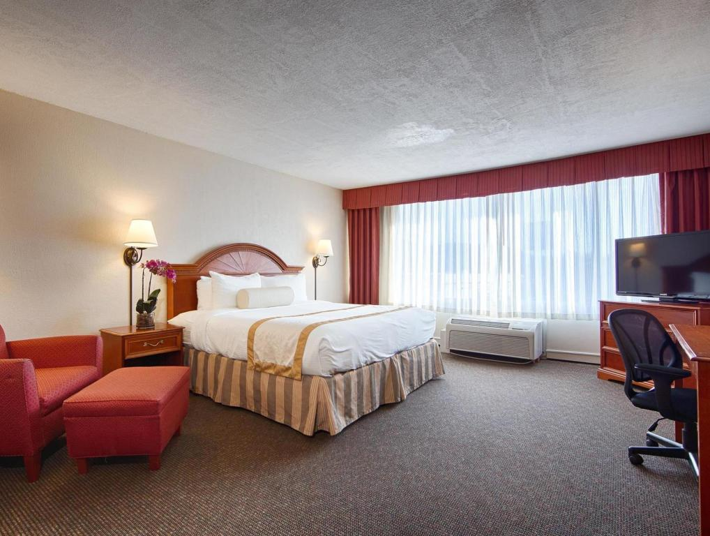 See all 32 photos Best Western PLUS Bradford Inn