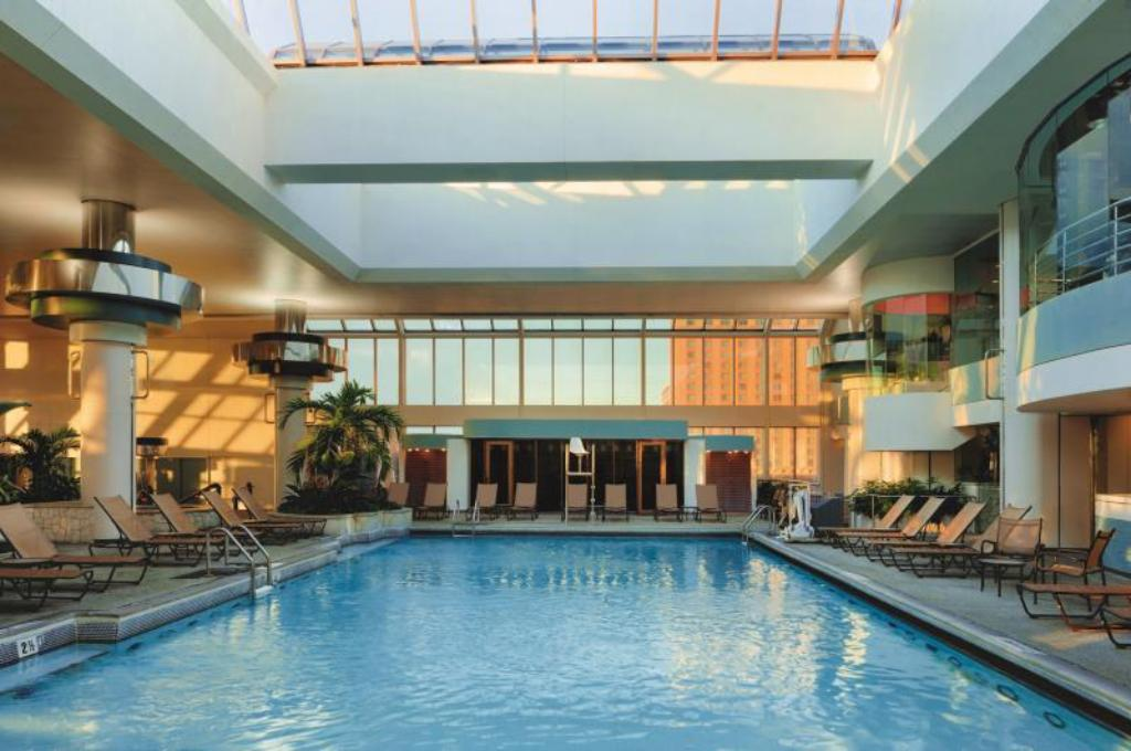 Swimming pool Horseshoe Southern Indiana Hotel and Casino